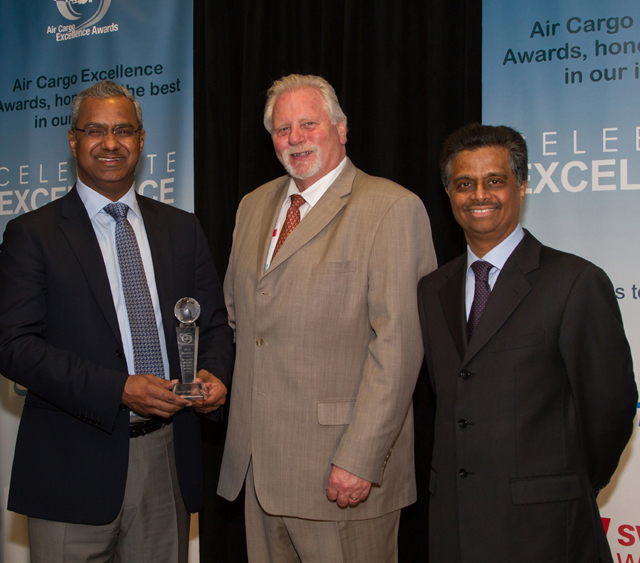 From left to right; Nabil Sultan, Emirates Divisional Senior Vice President, Cargo, Steve Prince, Publisher Air Cargo World, and Pradeep Kumar, Emirates Senior Vice President Cargo Revenue Optimisation and Systems, at the Air Cargo World Awards held in Los Angeles.