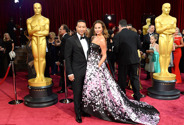 Chrissy Teigen and John Legend made a dashing couple at the Dolby Theatre
