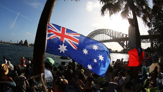 Sydney residents pitched up early on Wednesday to try to get the best view of the huge light display