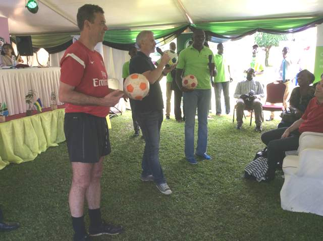 Rob Lee and Mark Ellis passed out some football skills to the youngsters