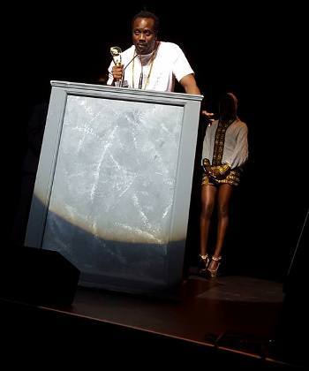 Bebe Cool giving acceptance speech