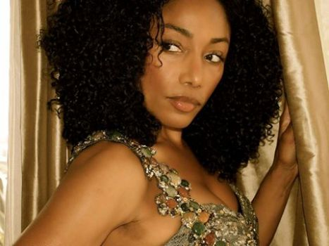 Karyn White will perform live at the event