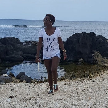 Kansiime flaunting it at the beach