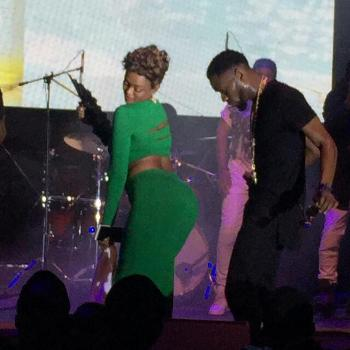 See my ass; Tracy Borah tempting Nigerian music star
