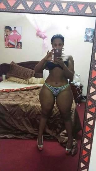 Socialite Zed Evas showing off her curves