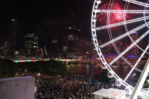 Big crowd in Brisbane for the early fireworks
