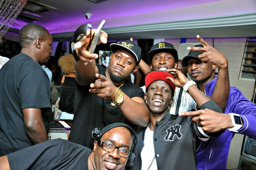 Gitawo partying with friends at Guvnor