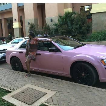 Shakira on her new car