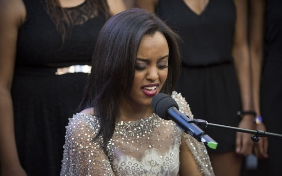Ruth B singing her heart out to her fans