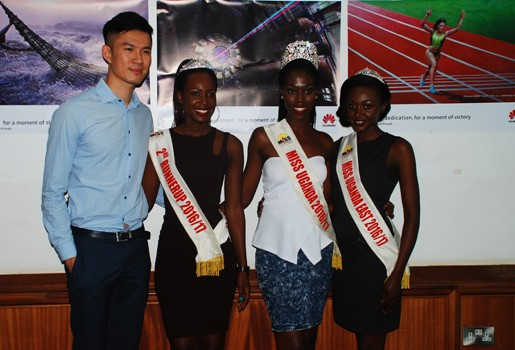 (L-R), Patrick Tongyunpeng, PR Manager, Huawei Uganda poses with Ritah Mutoni - 2nd Runner up Miss Uganda, Leah Kagasa – Miss Uganda 2016 and Sharita Maruti Miss East during a courtesy meeting held at Miss Uganda offices on October 25th 2016. Huawei Uganda contributed a sponsorship package of 20 Million Ushs worth P9 smartphones and cash towards the organization of the Miss Uganda 2016